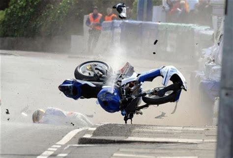 Guy Martin crashes out of NW200 - Motorcycle news : Racing